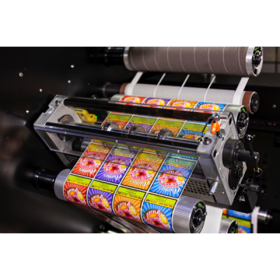 Digital Pro 1 is a roll-to-roll base model, best suited for workflows rooted in an established offline finishing and converting process.